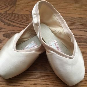 Russian Pointe Entrada Pointe shoes size 36/4/2/MF